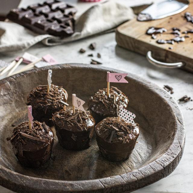Mini torte al cioccolato e lamponi
