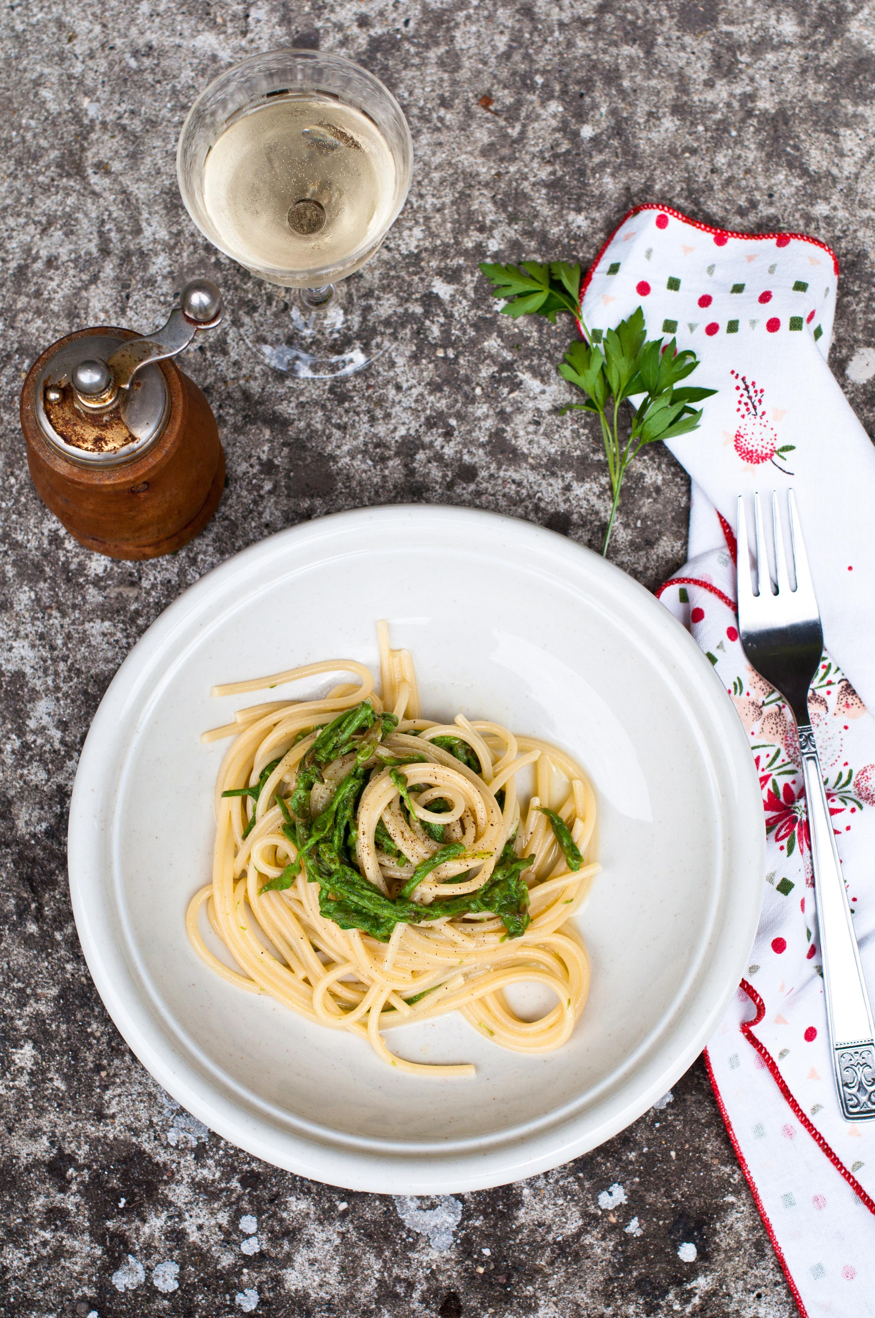 Spaghetti con luppolo selvatico