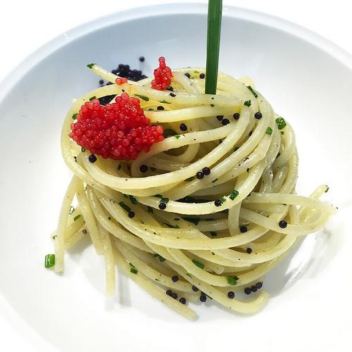 Spaghetti erba cipollina e caviale