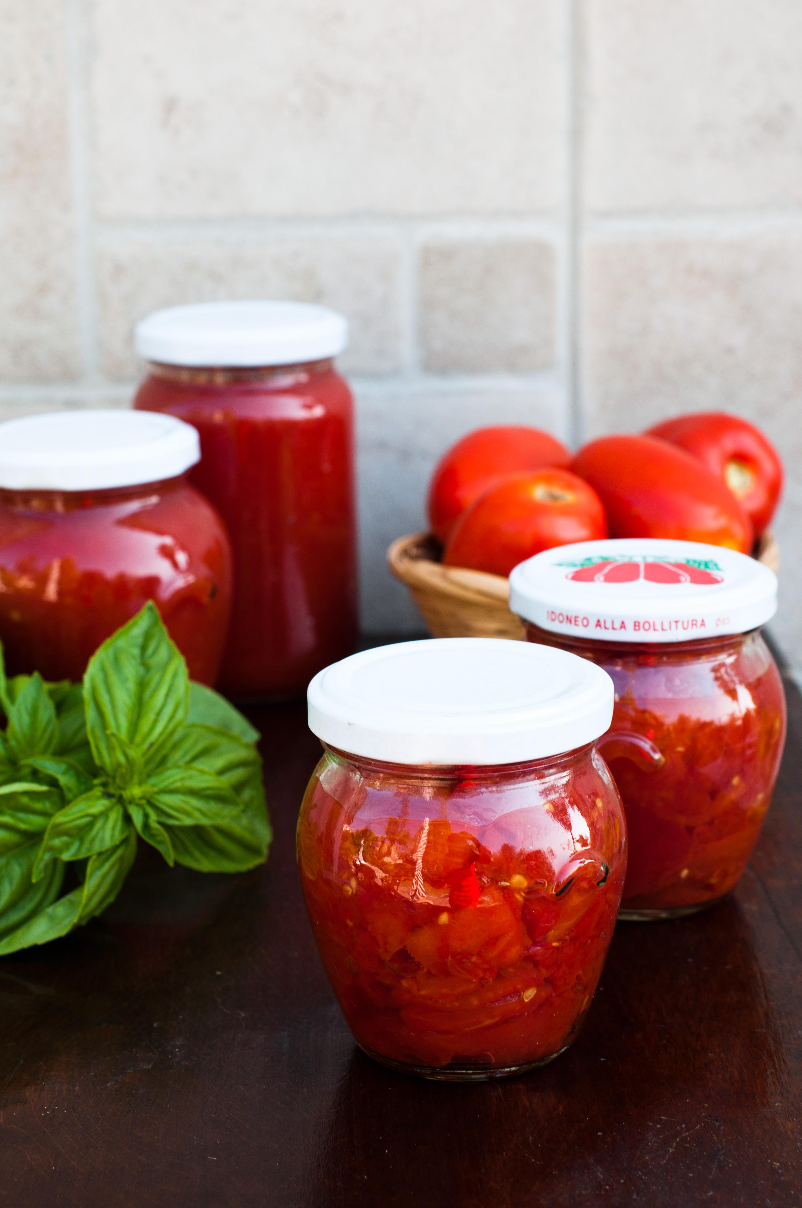 Come Sterilizzare Vasetti Per Conserve salsa di pomodoro, pezzettoni, pelati fatti in casa e
