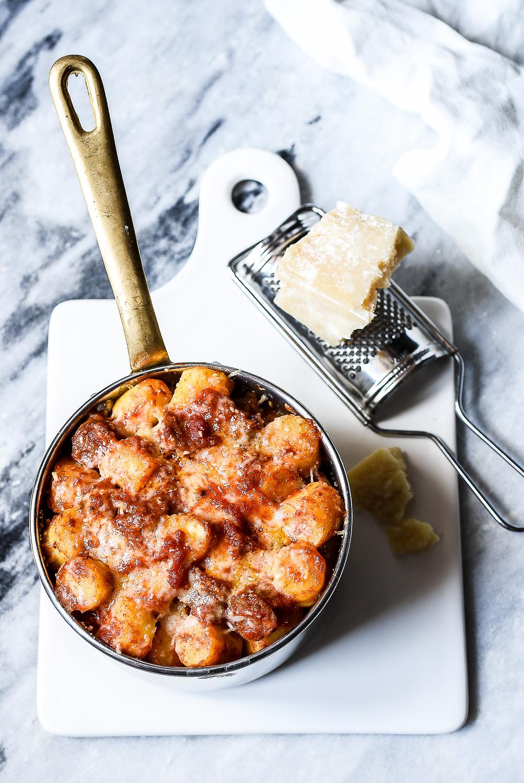 Gnocchi gratinati con ragù di salsiccia
