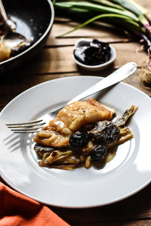 Baccalà con cipollotti, prugne secche e pinoli - Secondo piatto