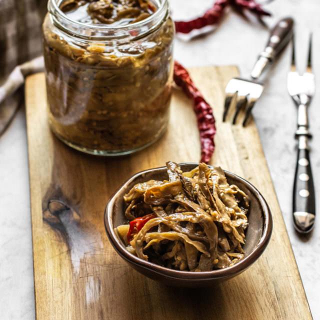 Melanzane a filetti sott'olio alla calabrese
