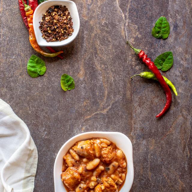 Salsiccia e fagioli in umido
