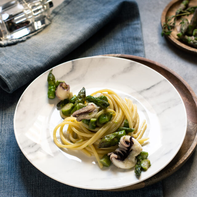 Spaghetti con seppie e asparagi