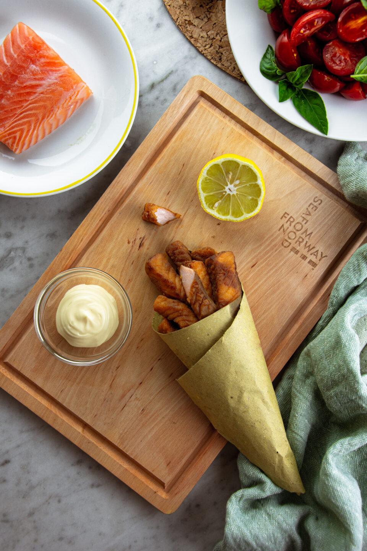 Salmone norvegese fritto
